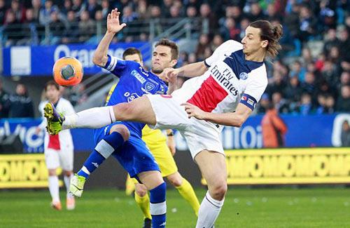 Bastia - PSG: Cú ngã đau đớn