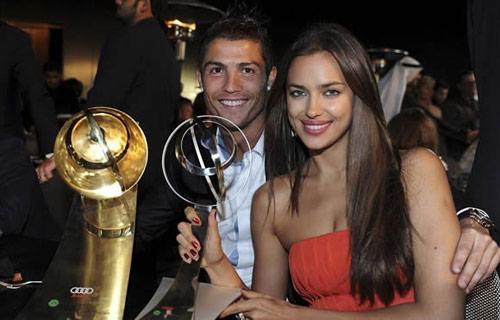 Tại sao bạn gái vắng mặt trong ngày Ronaldo giành QBV?