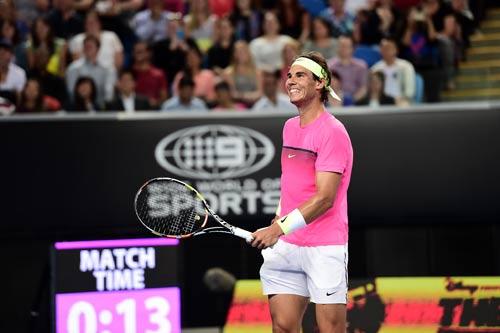 """Nadal """"tự sướng"""" khi đánh tennis siêu tốc"""