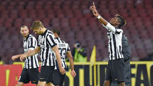 """Serie A trước V20: """"Lão bà"""" ung dung"""