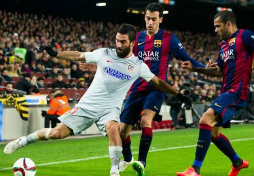 Barca bị cấm chuyển nhượng: Nên trói chặt Busquets