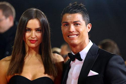 """Ronaldo: Trái tim """"rỉ máu"""", đôi chân tổn thương"""