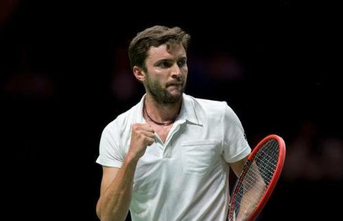 """Stan Wawrinka đụng độ """"máy giao bóng"""" (BK Rotterdam Open)"""