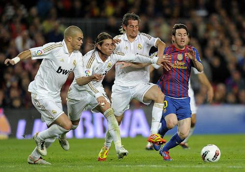 """Ancelotti và kế hoạch """"bắt chết"""" Messi"""