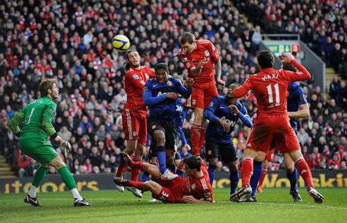 Liverpool đụng MU ở Anfield: Mối thù truyền kiếp