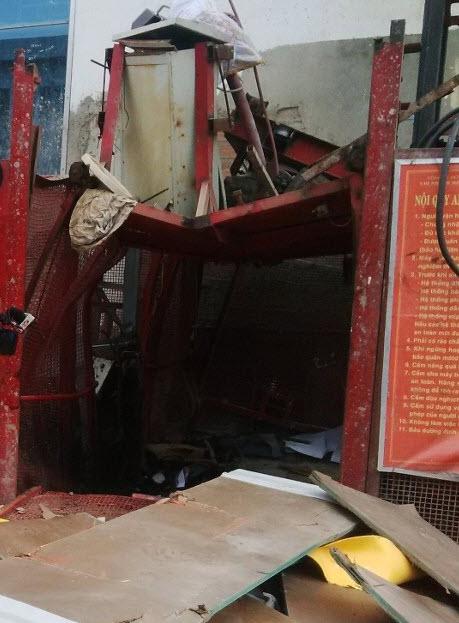 Vụ rơi thang máy: Chủ tịch UBND TP Đà Nẵng trực tiếp đến hiện trường - hình ảnh 1