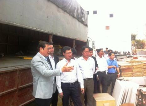 Vụ rơi thang máy: Chủ tịch UBND TP Đà Nẵng trực tiếp đến hiện trường - hình ảnh 2