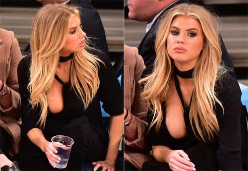 1001 'tai nạn' váy áo khiến sao ngượng đến tái mặt - hình ảnh 1