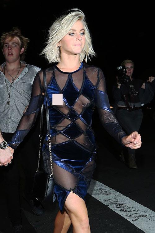1001 'tai nạn' váy áo khiến sao ngượng đến tái mặt - hình ảnh 8