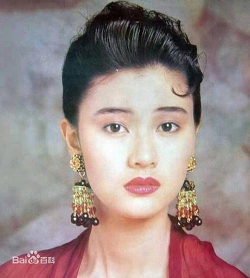 Bí quyết trẻ mãi của 'hoa hậu đẹp nhất Hong Kong' - hình ảnh 3