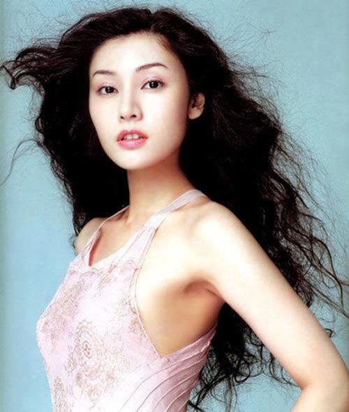 Bí quyết trẻ mãi của 'hoa hậu đẹp nhất Hong Kong' - hình ảnh 5