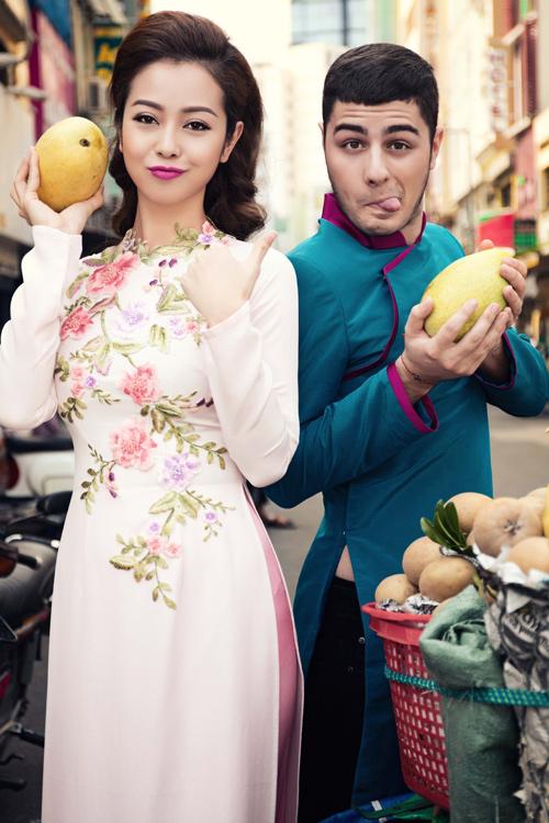 Jennifer Phạm và bạn nhảy Tây tình tứ đi sắm Tết - hình ảnh 3