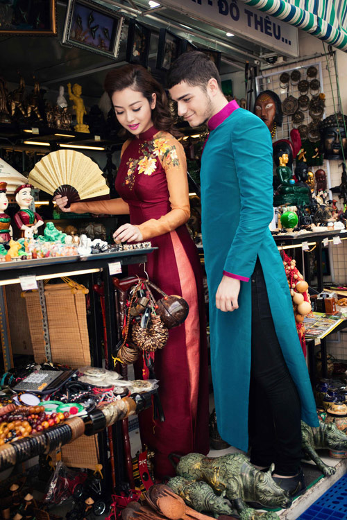 Jennifer Phạm và bạn nhảy Tây tình tứ đi sắm Tết - hình ảnh 8