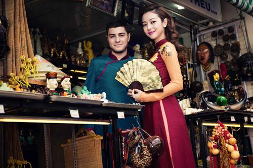 Jennifer Phạm và bạn nhảy Tây tình tứ đi sắm Tết - hình ảnh 9