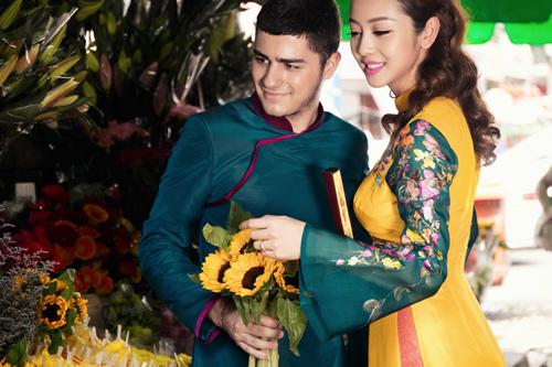 Jennifer Phạm và bạn nhảy Tây tình tứ đi sắm Tết - hình ảnh 12