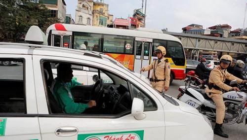 CSGT được trưng dụng phương tiện: Xung đột pháp lý? - hình ảnh 2