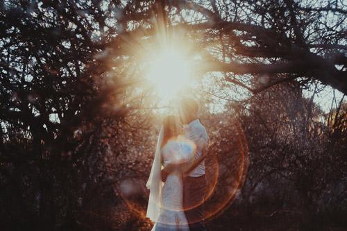 Cặp đôi Hà thành lãng mạn giữa rừng hoa mận trắng muốt - hình ảnh 3