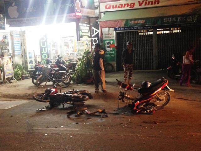 Truy tìm ô tô trong vụ tai nạn chết người ở Sài Gòn - hình ảnh 1