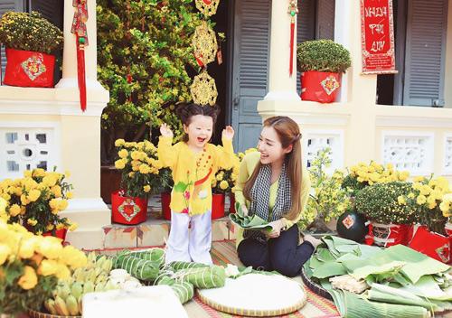 'Cục cưng' nhà sao Việt đáng yêu với áo dài, khăn xếp - hình ảnh 2