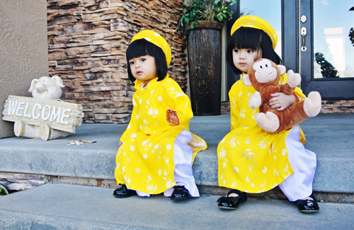 'Cục cưng' nhà sao Việt đáng yêu với áo dài, khăn xếp - hình ảnh 3