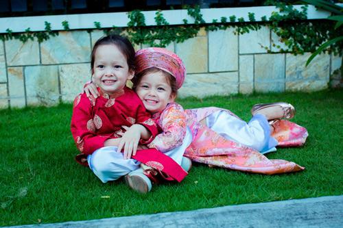 'Cục cưng' nhà sao Việt đáng yêu với áo dài, khăn xếp - hình ảnh 5