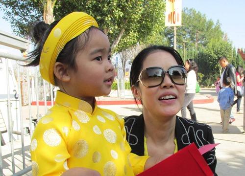 'Cục cưng' nhà sao Việt đáng yêu với áo dài, khăn xếp - hình ảnh 11