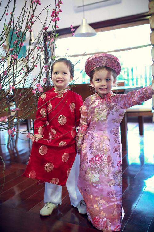 'Cục cưng' nhà sao Việt đáng yêu với áo dài, khăn xếp - hình ảnh 6
