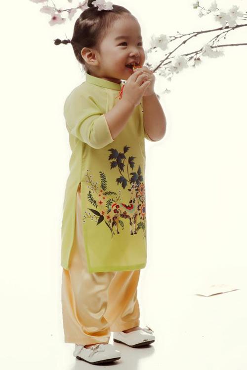 'Cục cưng' nhà sao Việt đáng yêu với áo dài, khăn xếp - hình ảnh 9