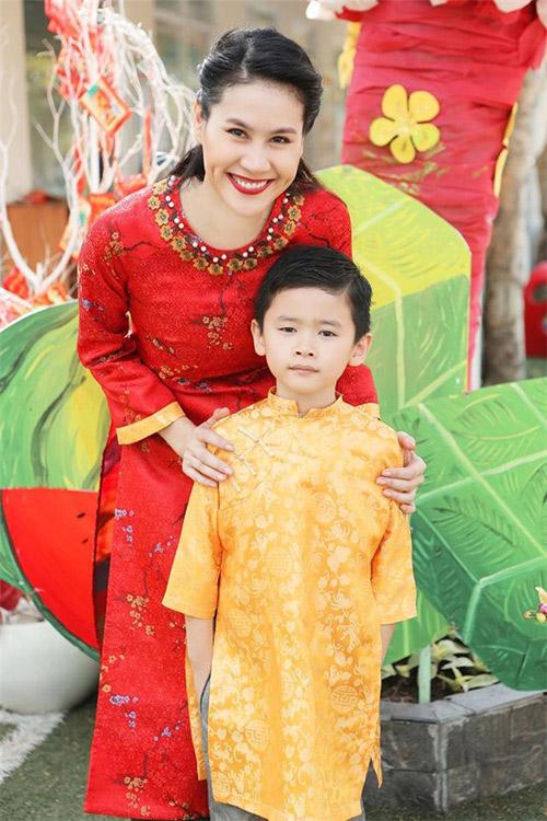 'Cục cưng' nhà sao Việt đáng yêu với áo dài, khăn xếp - hình ảnh 14