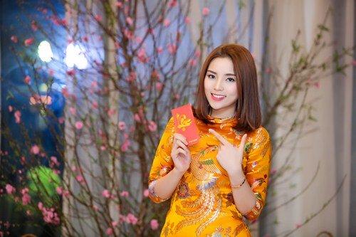 Hoa hậu Kỳ Duyên xuống tóc rộn ràng đón năm mới - hình ảnh 3