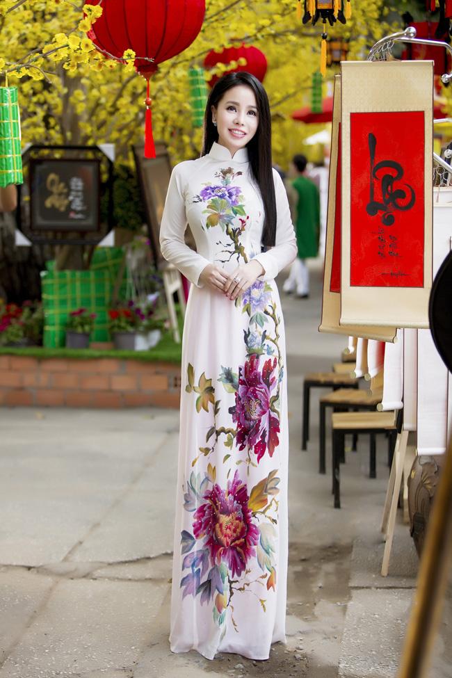 Nữ thạc sỹ xinh đẹp rạng rỡ khoe sắc xuân - hình ảnh 5