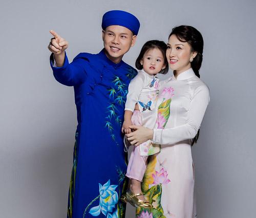 Con gái thiên thần ngọt ngào hôn bố Phan Đinh Tùng - hình ảnh 8