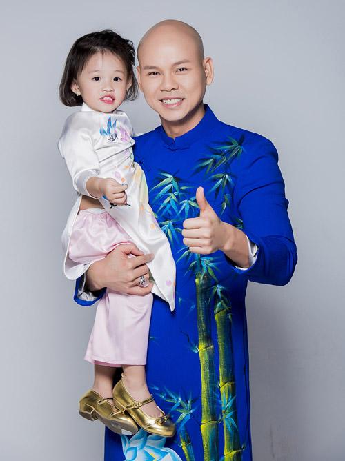 Con gái thiên thần ngọt ngào hôn bố Phan Đinh Tùng - hình ảnh 3