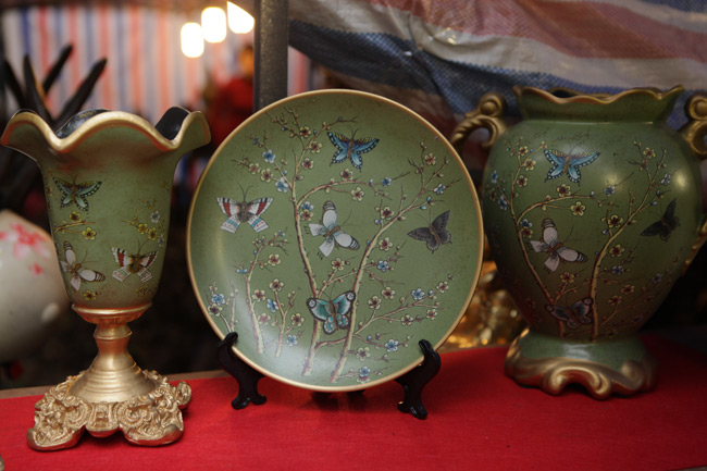 Độc đáo phiên chợ đồ cổ duy trong năm ở Hà Nội - hình ảnh 14