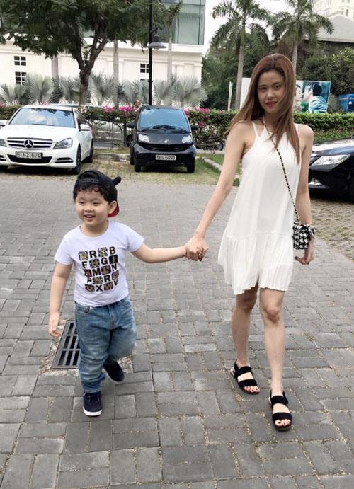 Facebook sao 7/2: Hari won vô tội, Trấn Thành sét ái tình - hình ảnh 14