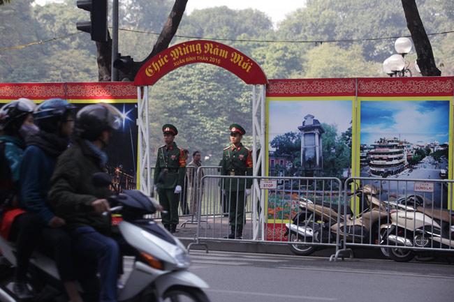 HN: Trận địa pháo hoa được bảo vệ nghiêm ngặt trước giờ G - hình ảnh 1