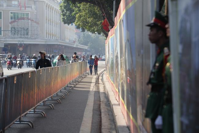 HN: Trận địa pháo hoa được bảo vệ nghiêm ngặt trước giờ G - hình ảnh 3