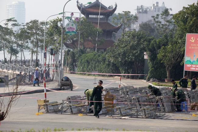 HN: Trận địa pháo hoa được bảo vệ nghiêm ngặt trước giờ G - hình ảnh 6