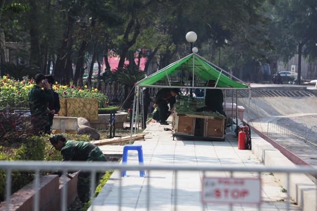 HN: Trận địa pháo hoa được bảo vệ nghiêm ngặt trước giờ G - hình ảnh 11