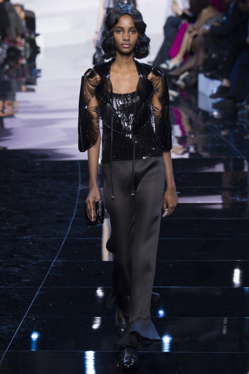 Armani biến váy ngủ thành thời trang cao cấp - hình ảnh 6
