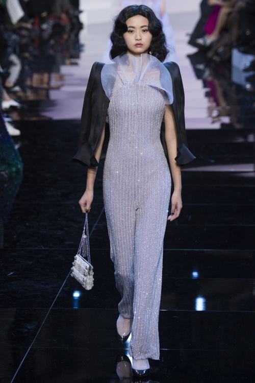 Armani biến váy ngủ thành thời trang cao cấp - hình ảnh 7