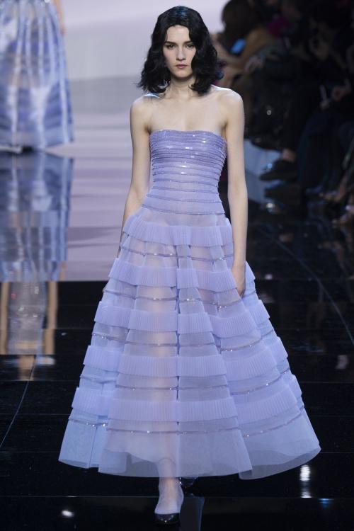 Armani biến váy ngủ thành thời trang cao cấp - hình ảnh 10