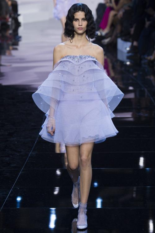 Armani biến váy ngủ thành thời trang cao cấp - hình ảnh 14