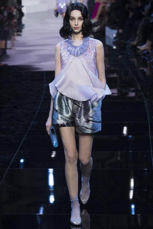 Armani biến váy ngủ thành thời trang cao cấp - hình ảnh 13