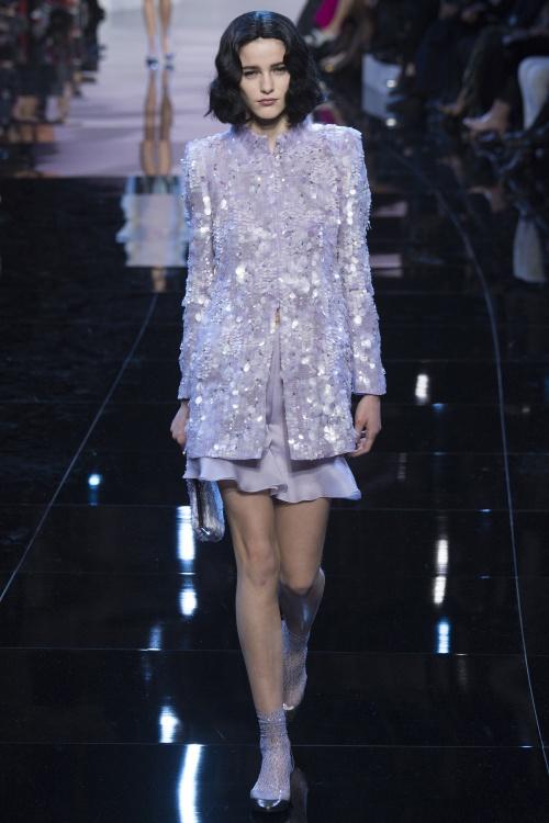 Armani biến váy ngủ thành thời trang cao cấp - hình ảnh 15