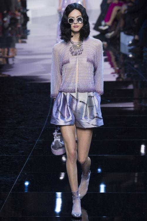Armani biến váy ngủ thành thời trang cao cấp - hình ảnh 12