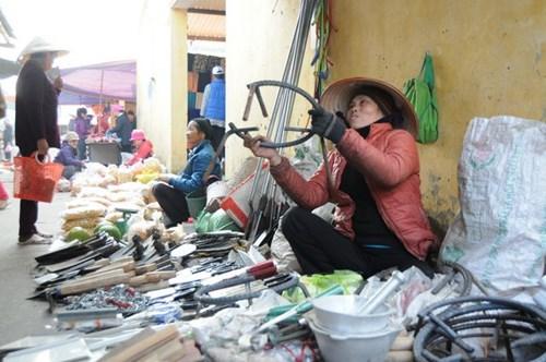Đi chợ phiên Đông Biên lớn nhất cuối cùng trong năm - hình ảnh 10