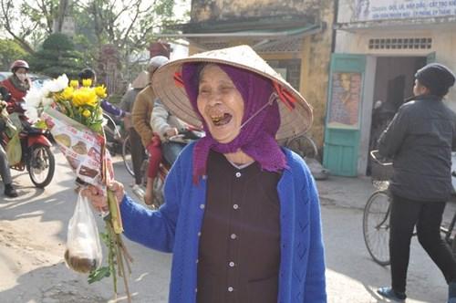 Đi chợ phiên Đông Biên lớn nhất cuối cùng trong năm - hình ảnh 12