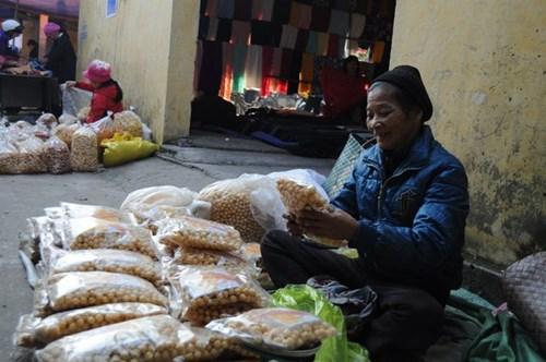 Đi chợ phiên Đông Biên lớn nhất cuối cùng trong năm - hình ảnh 7