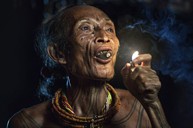 Khám phá bộ lạc sống biệt lập hoàn toàn với cuộc sống hiện đại - hình ảnh 2